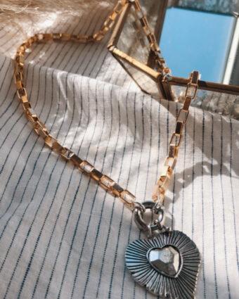 Collar Mom
